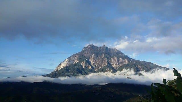 マレーシア キナバル山